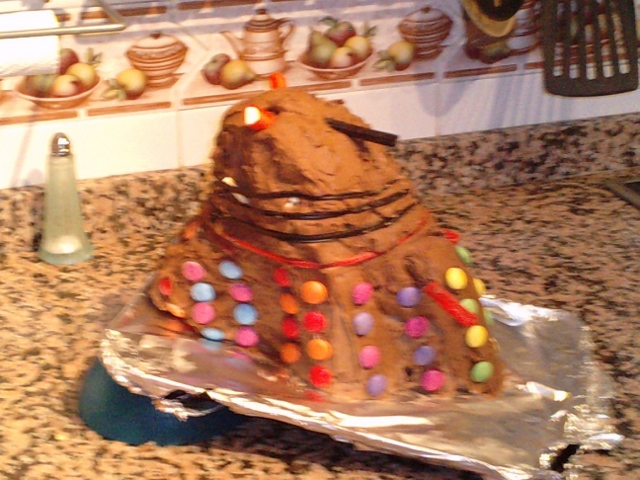 How To Make A Doctor Who Dalek Cake