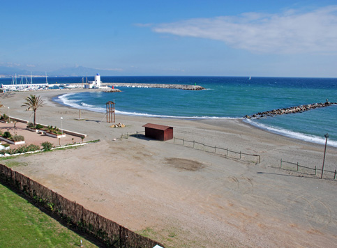 Castillo-Duquesa Beach