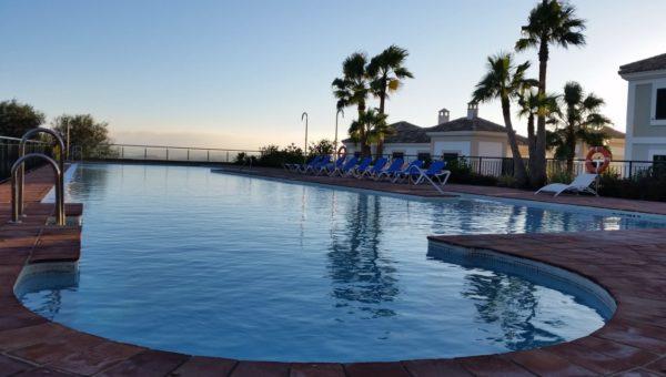 Infinity pool La Herencia de Casares