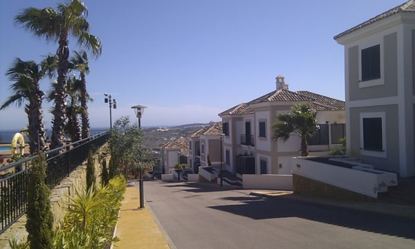 Herencia de Casares pathways