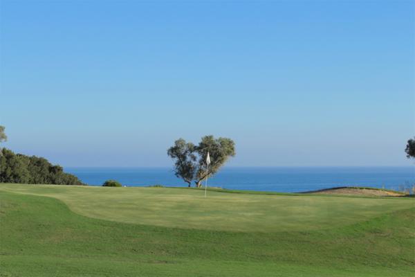 golf course resort Costa del Sol golfers La Duquesa