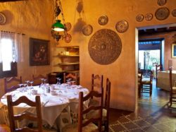 Traditional interior at Venta La Choza