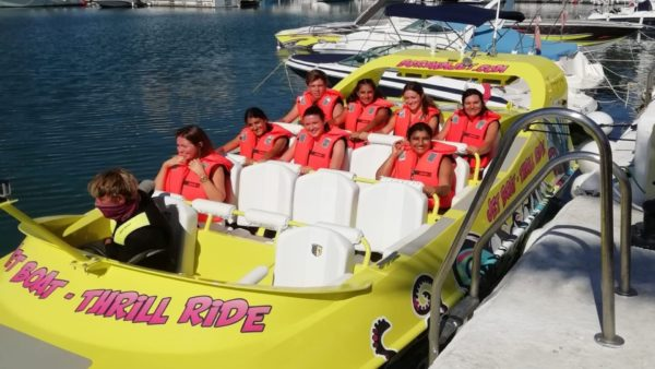 Jet scream thrill ride speed boat
