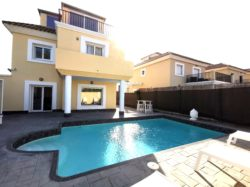 Villa and private pool in Maria Teresa