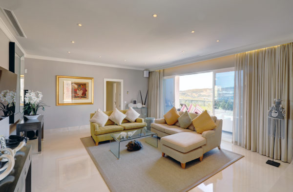 Beautifully presented property in Casares