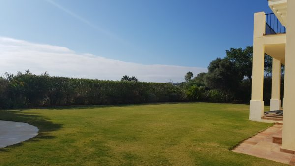 Selling a property in Spain - keep your lawn green